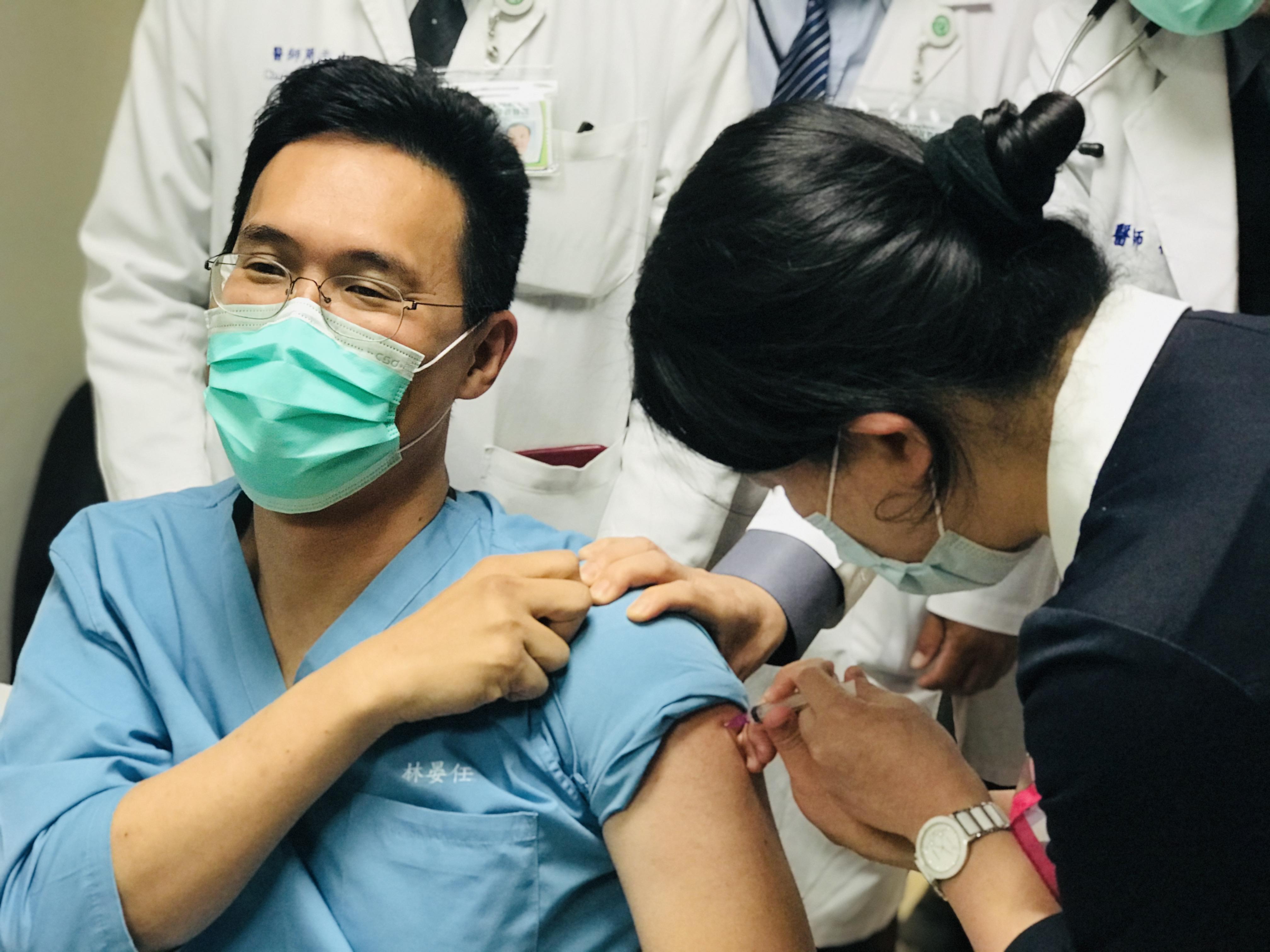 本縣自4月26日起全面開放轄區衛生所提供COVID-19公費疫苗接種服務
