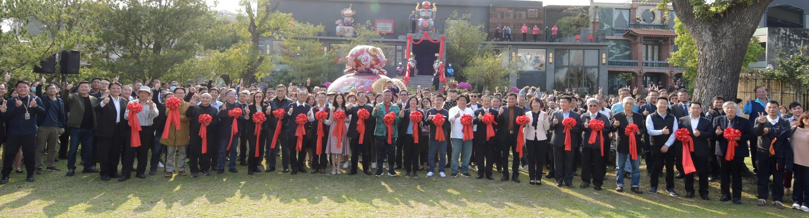 國際級藝術家洪易美術館 選在彰化正式開幕亮相 感謝20 藝術相隨