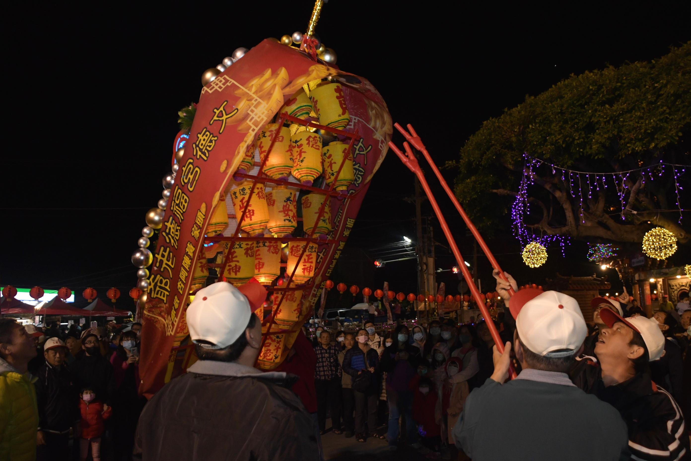 百年花壇迎燈排 文化傳承迎新春