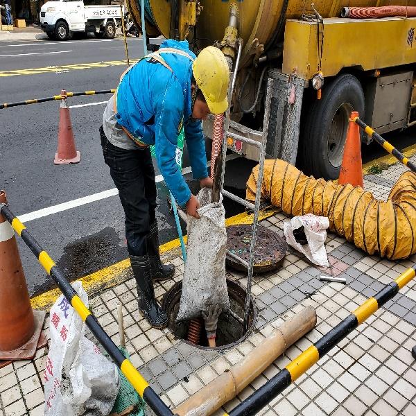 都市防災 縣府開始啟動下水道清淤作業