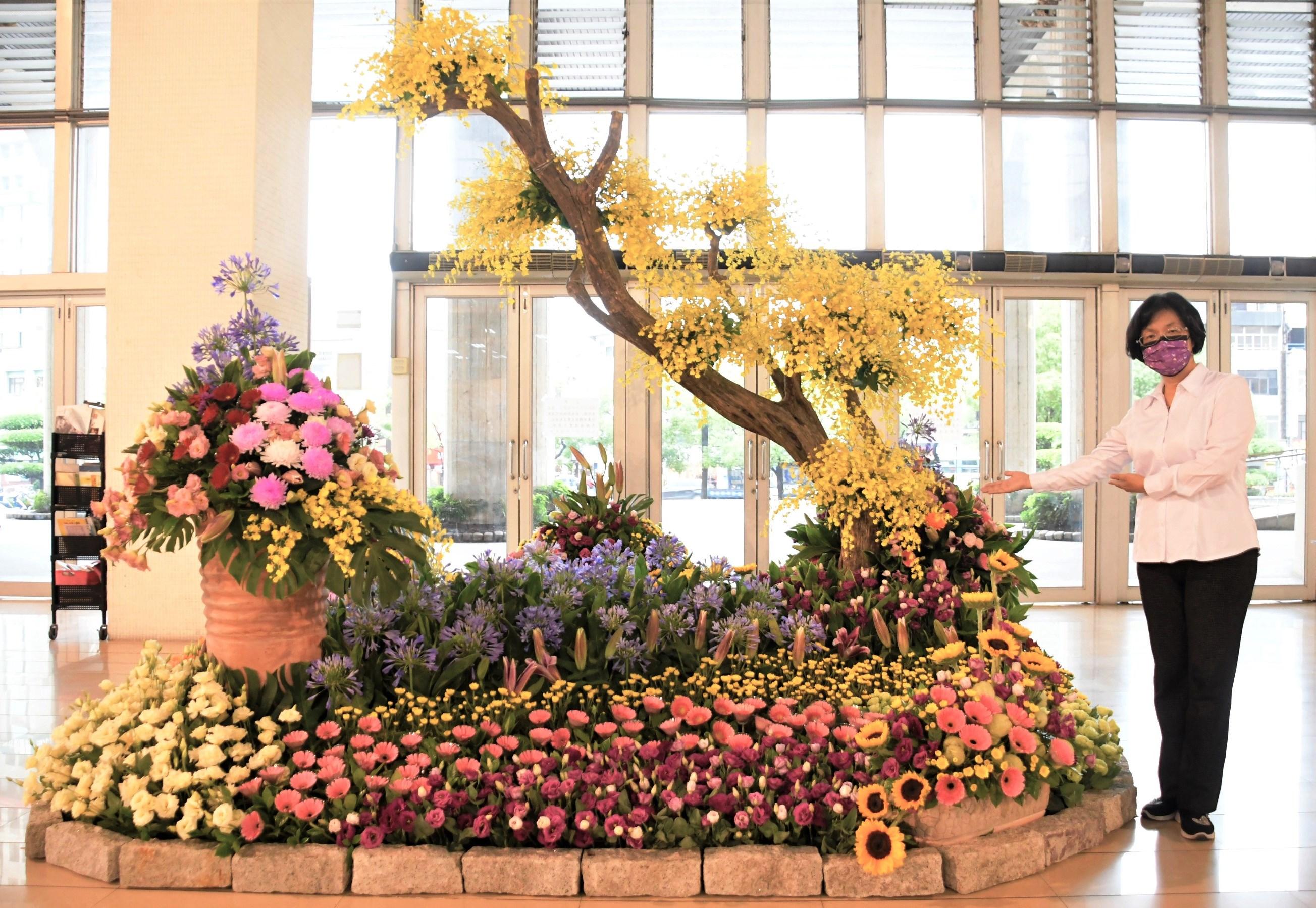 力挺花農、感謝醫護 致贈本縣醫護人員當季花卉