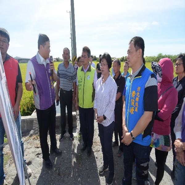 路面不平 行的安全 縣府納入年度計畫辦理 改善彰化市、秀水鄉、鹿港鎮及福興鄉等多處