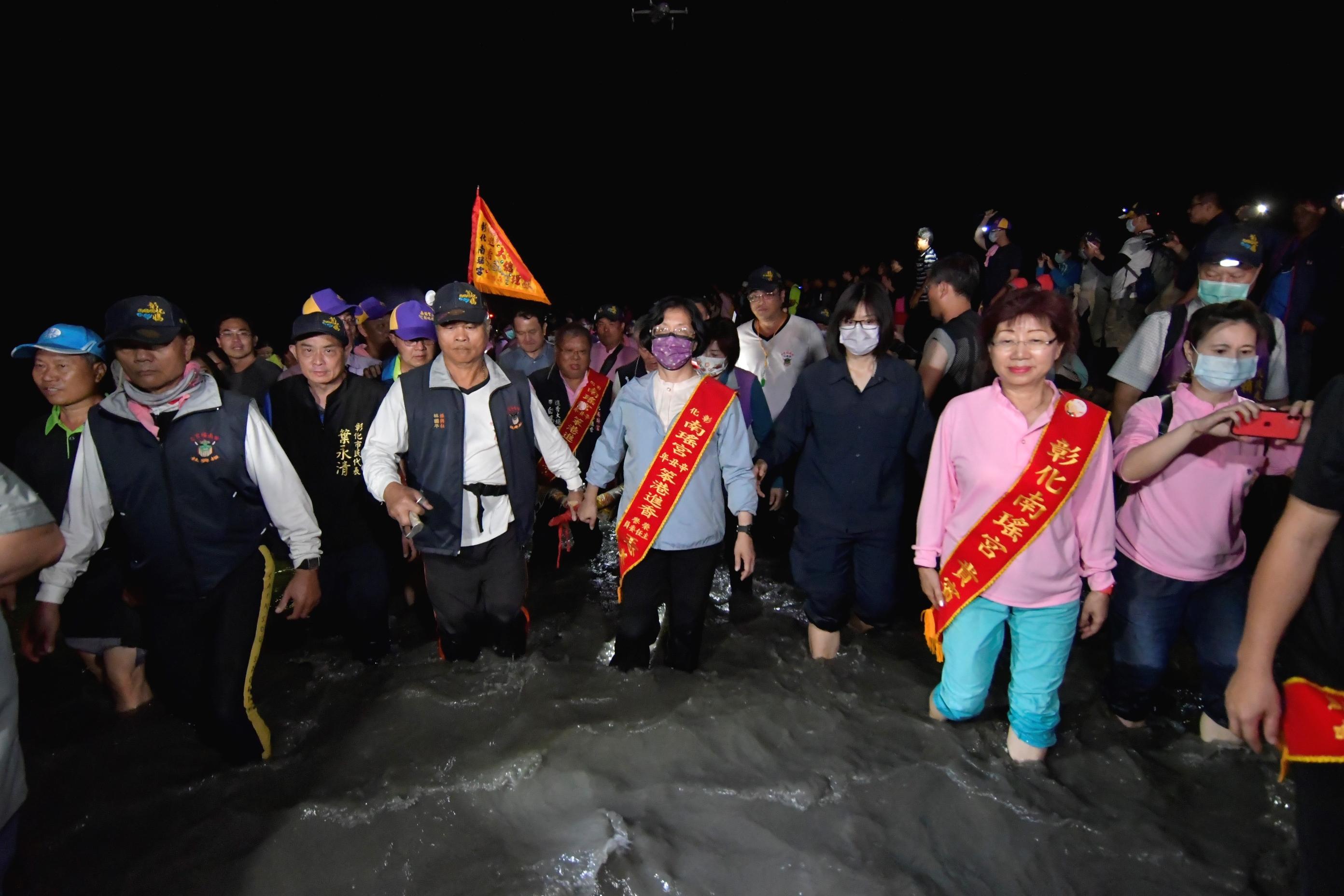 一生至少一次 萬人跟著彰化南瑤媽濁水溪潦溪回鑾