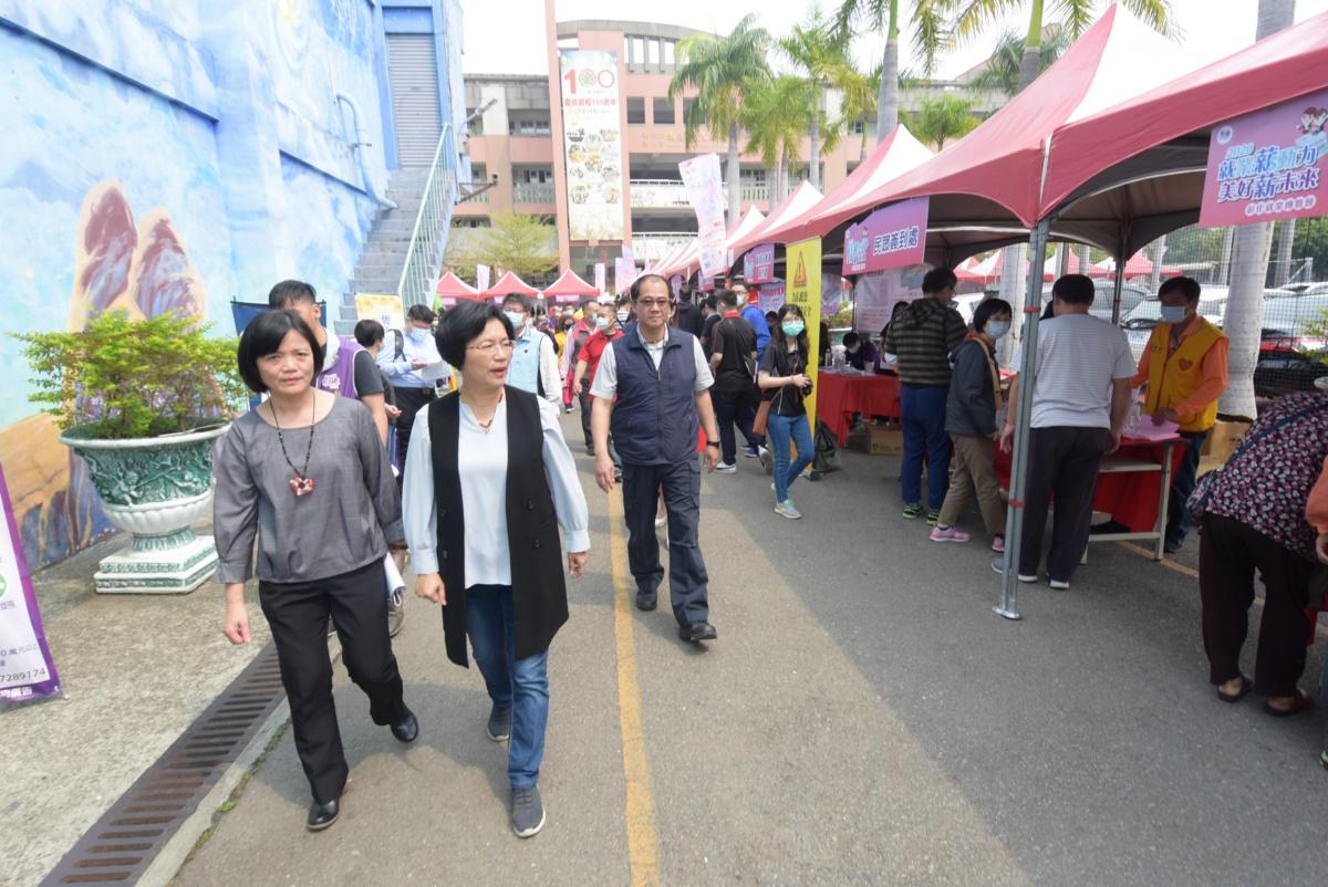 2020「就業薪動力 美好薪未來」彰化縣就業博覽會第一場登場 王惠美:防疫也要「拚經濟、顧巴肚」