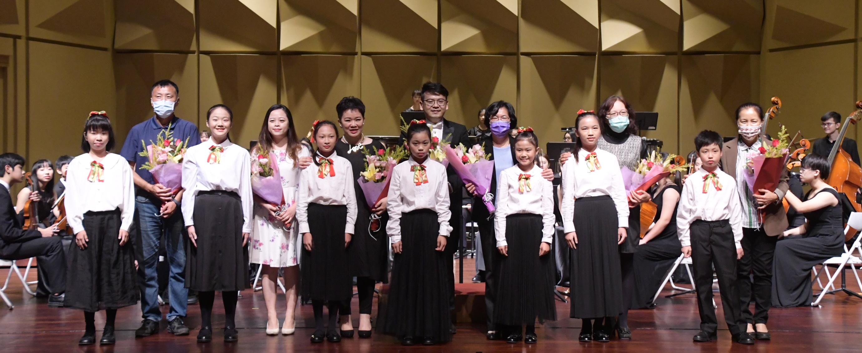 彰化縣立青少年管弦樂團暨兒童弦樂團 109年度公演「齊樂聖誕音樂會」