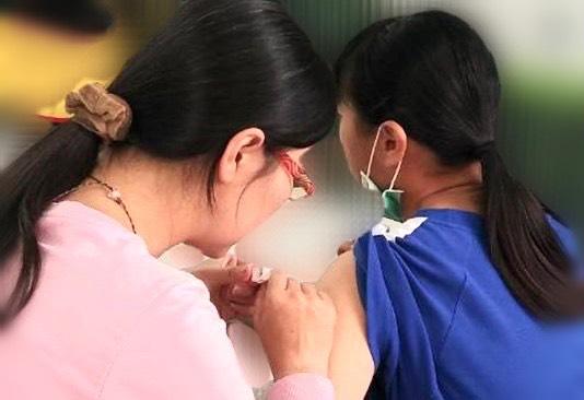 疼惜咱們的女兒-國一女生免費接種子宮頸癌疫苗